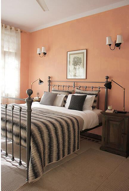 pink-bedroom-delhi