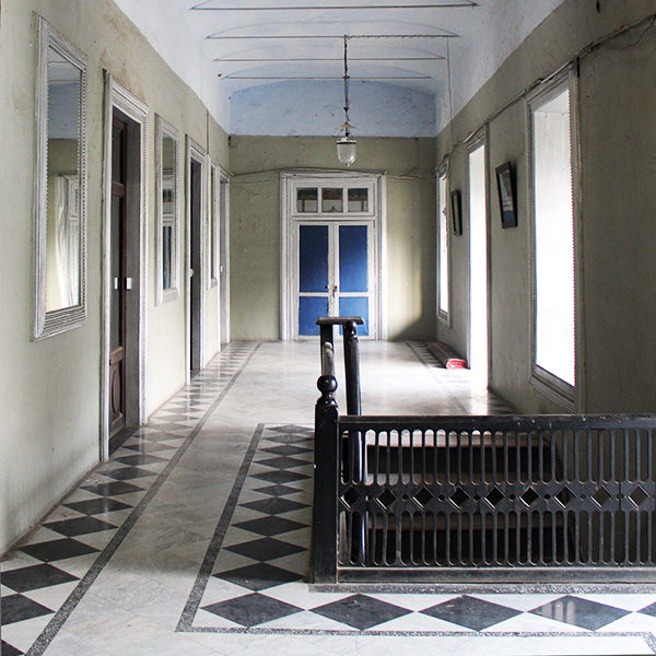 hallway, Indian interiors, limewash