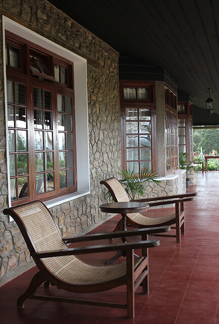 bungalow-colonial-verandah-plantation