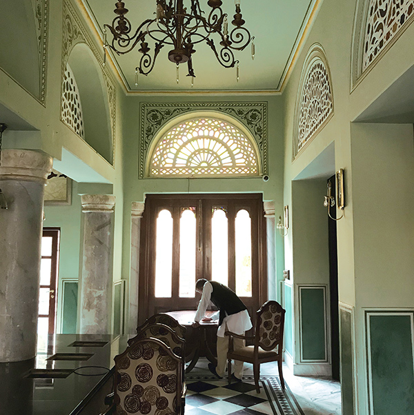 natural, interior design, india, vernacular, haveli, shivani dogra, blue walls